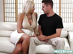 busty bionda milf - video sesso libero.