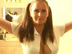 Smoking hot milf - korte seks video's